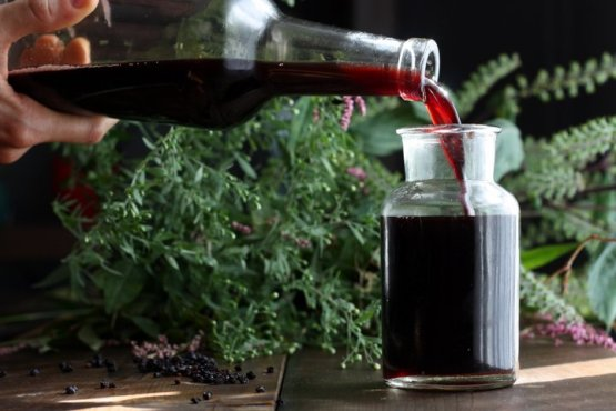 homemade-elderberry-syrup-recipe